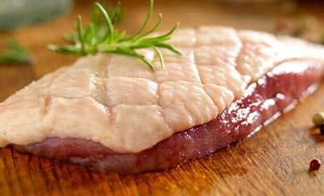 Découvrez les produits frais de votre éleveur/producteur de volailles fermières et de canards gras